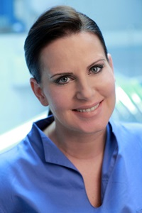 Dr. Vivien Thury